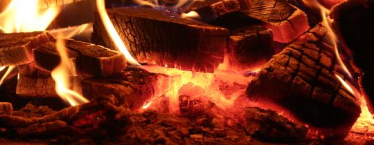 Quand l'humain a-t-il commencé à utiliser le feu ? Controverse chez les archéologues.