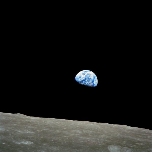 Apollo-8-premiere-photo-terre